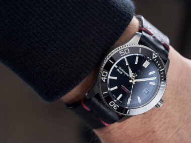 diver-on-leather
