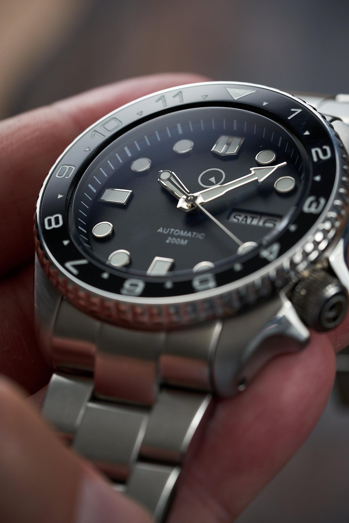 Islander-Watch-ISL-01-Long-Island-Watch-dial-details