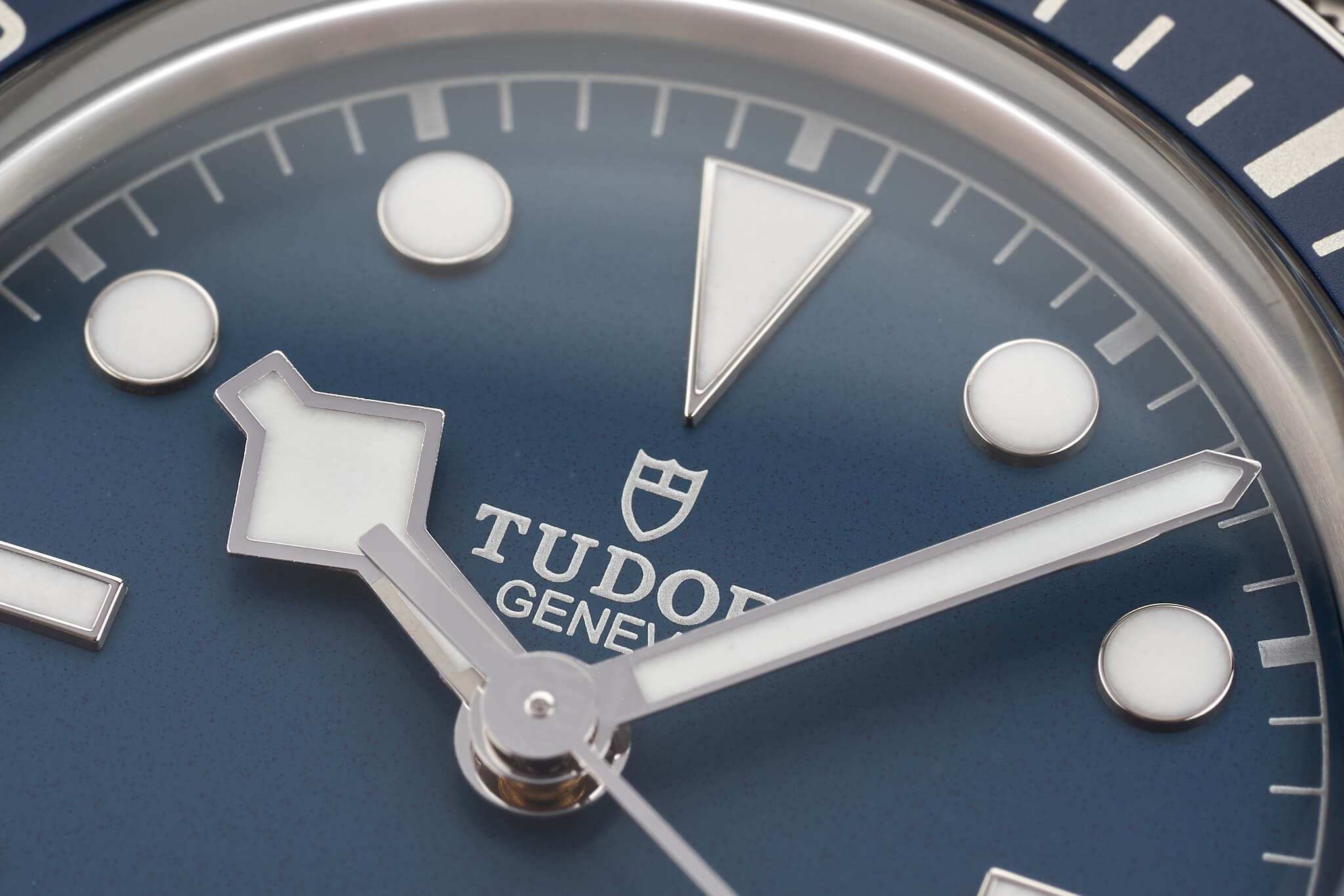 Tudor-Black-Bay-58-Navy-Blue-M79030b-27