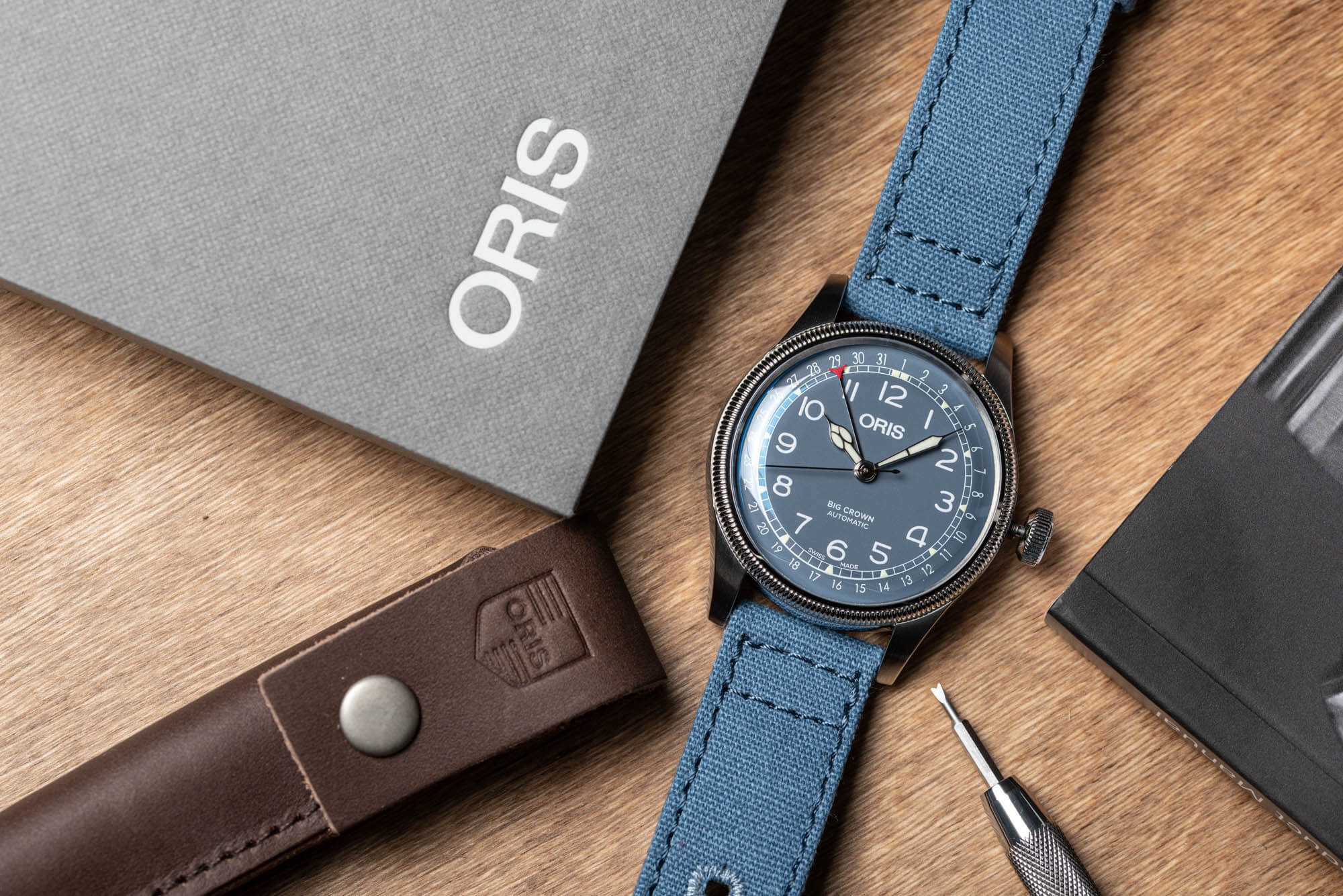 Oris-Big-Crown-Pointer-Date-Blue-30