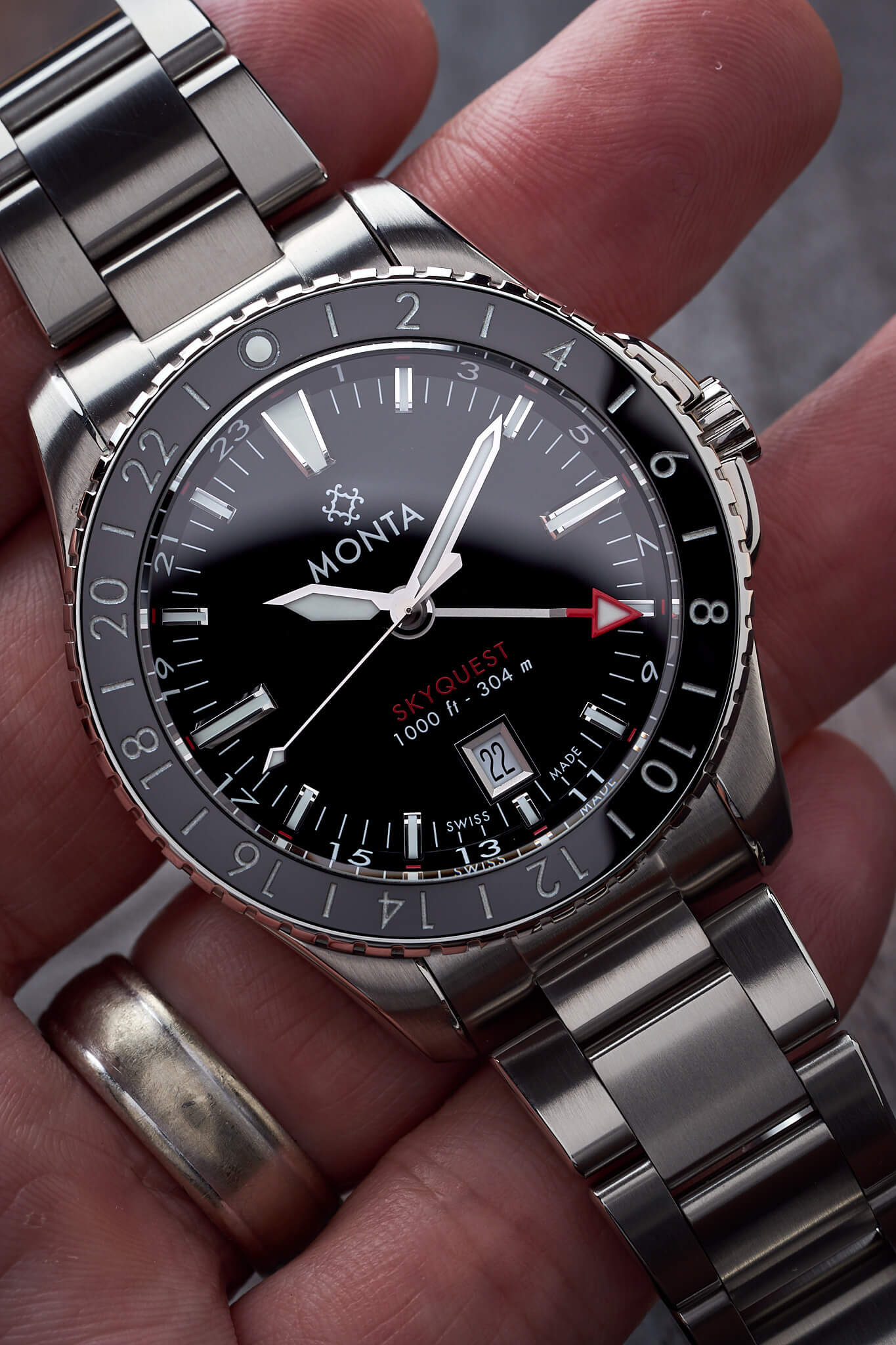 Monta-Skyquest-GMT-1