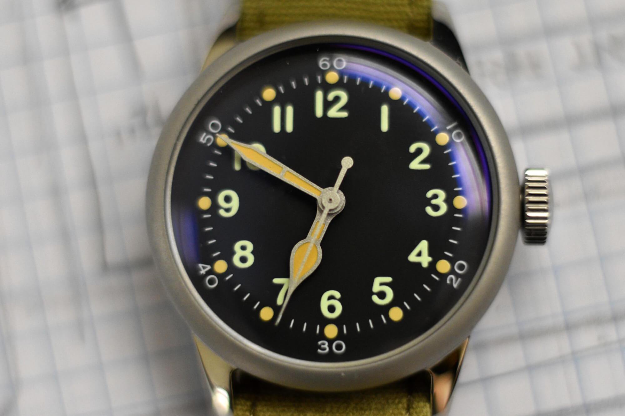 Praesidus-A-11-Closeup-field-watch