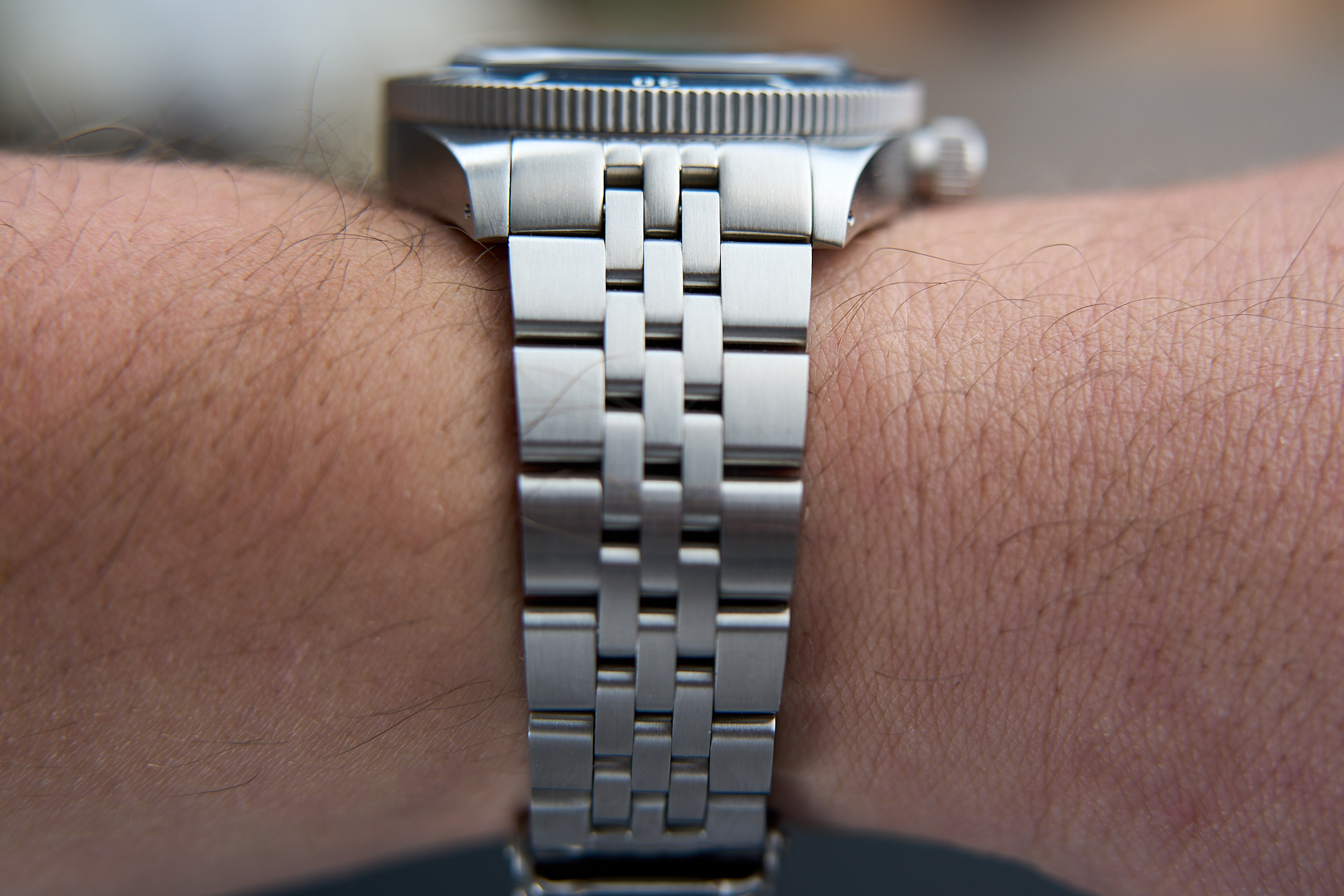 Trekker-wrist-to-crystal